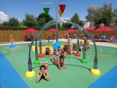 jeux d'eau enfants piscine vacances saint jean de monts vendée