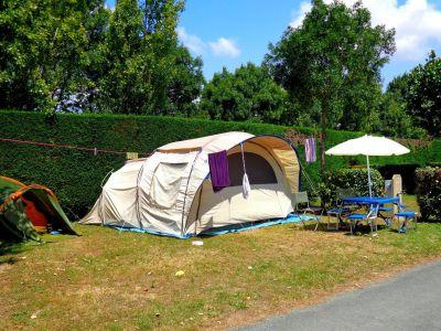 Tente de camping sur le terrain du plein sud à saint jean de monts