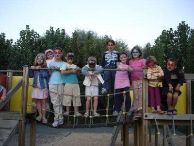 Groupe d'enfants en vacances à saint jean de monts