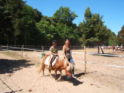 Équitation pour les plus jeunes en cheval nain en vendée