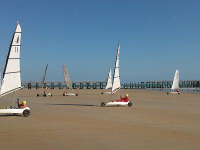 Char à voile sur les plages de Vendée proche du camping à Notre-Dame de Monts